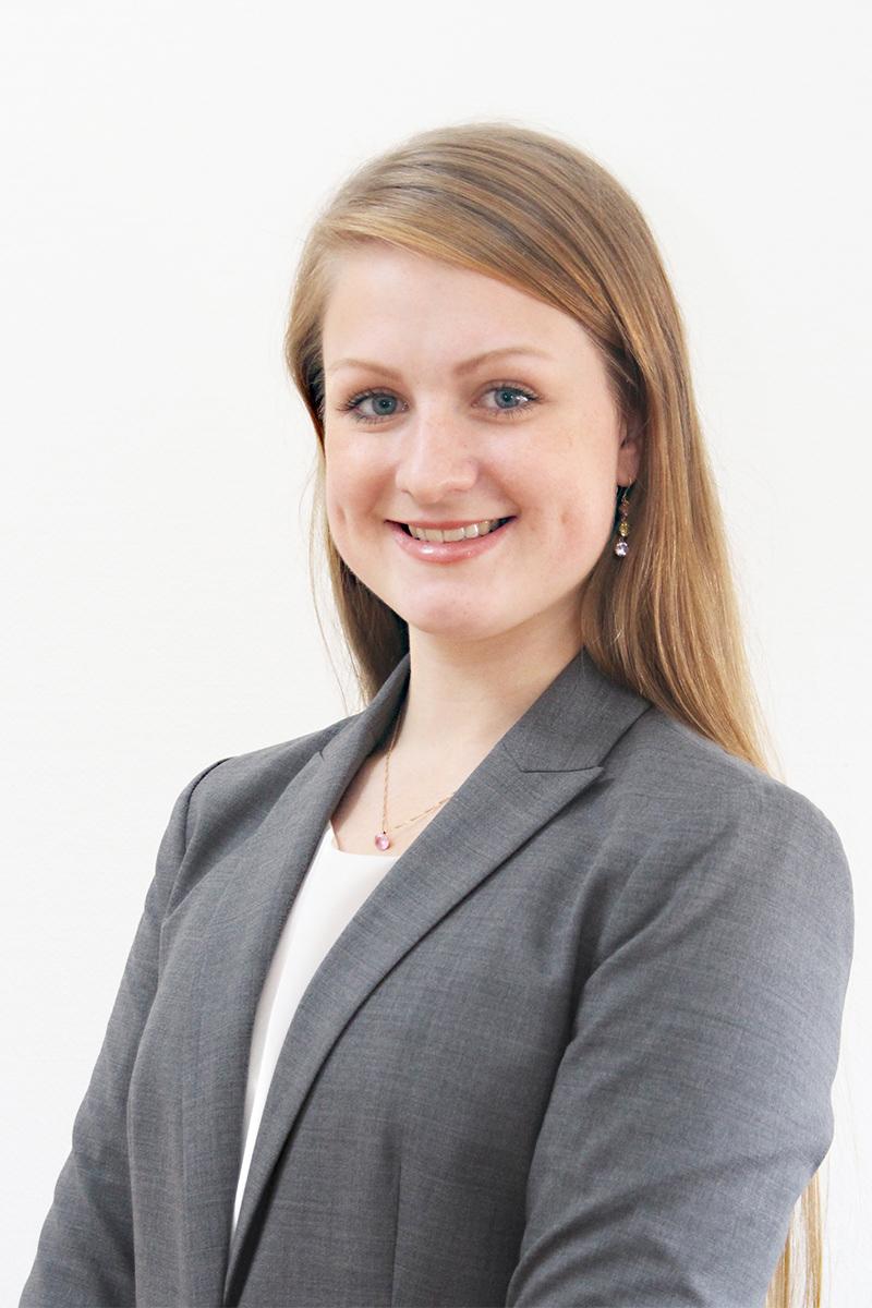 Julianne Ahlesten