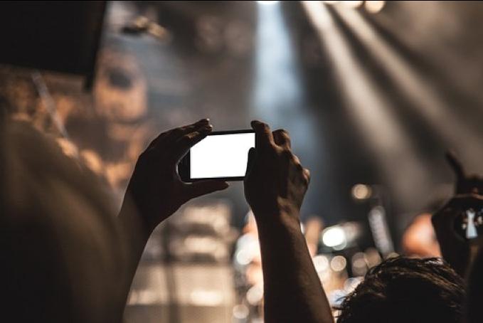 Får vi fotografera på företagsfesten?